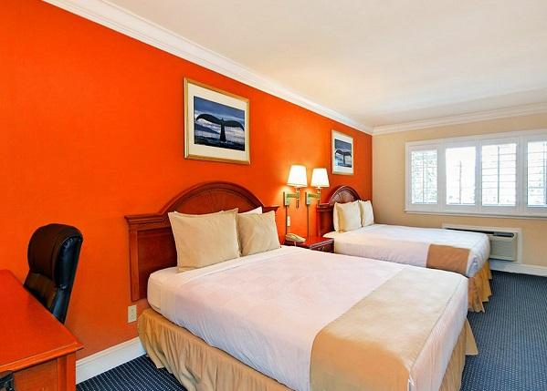 super 8 monterey. Black Bedroom Furniture Sets. Home Design Ideas