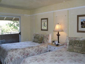 carmel-oaks-room